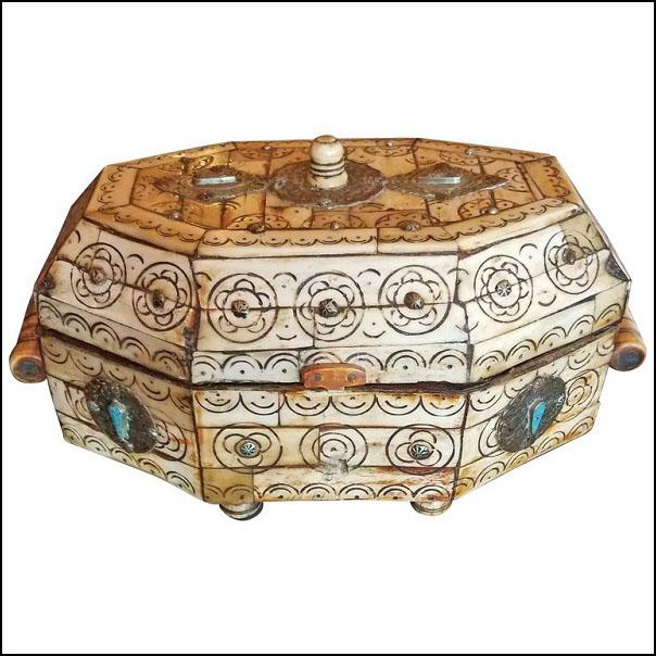 Moroccan Camel Bone Mini Trunk – Oval Shape