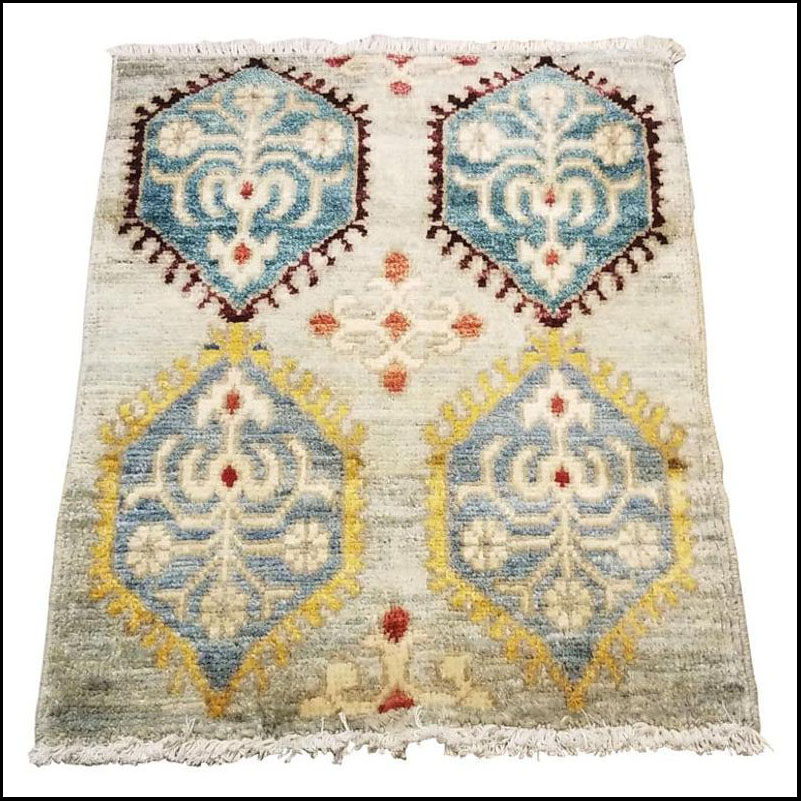 Small Asian Bedside Rug from Afghanistan – Colorful / 328